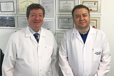 Aynı Anda Meme Kanseri Ameliyatı ve Meme Estetiği   Prof. Dr. Özcan Gökçe Doç. Dr. Uğur Anıl Bingöl